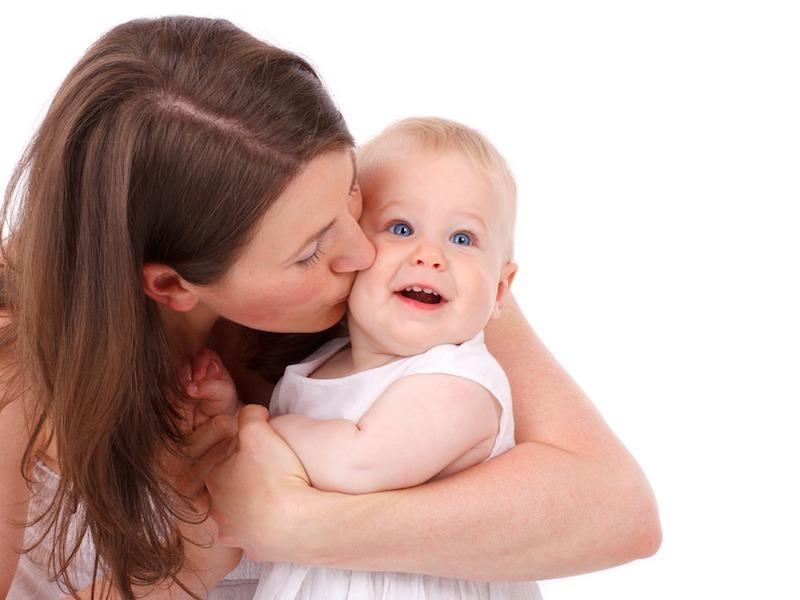 abbracci mamma bambino